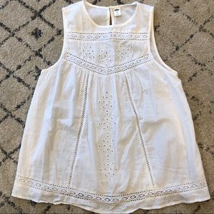 Old Navy Lace Sleeveless Blouse w/ Button Detail